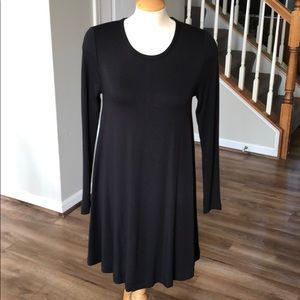 Black long sleeved Lou & Grey swing dress NWT